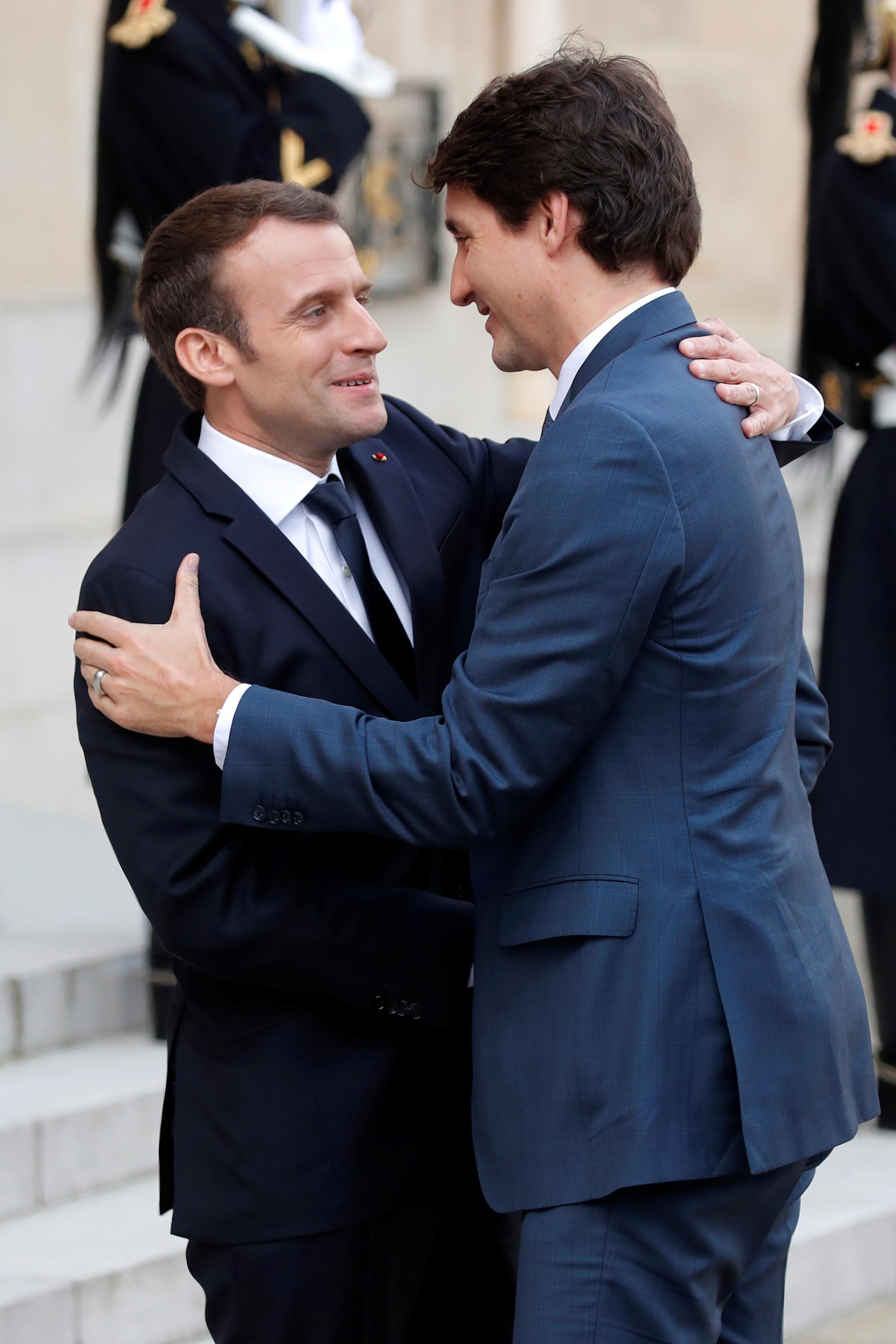 En el primer día de su visita a Francia, el primer ministro canadiense Justin Trudeau fue recibido por el presidente Emmanuel Macron en el Palacio del Elíseo. 16 de abril de 2018