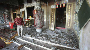 A temple damaged by the quake that hit Kaohsiung County, southern Taiwan.