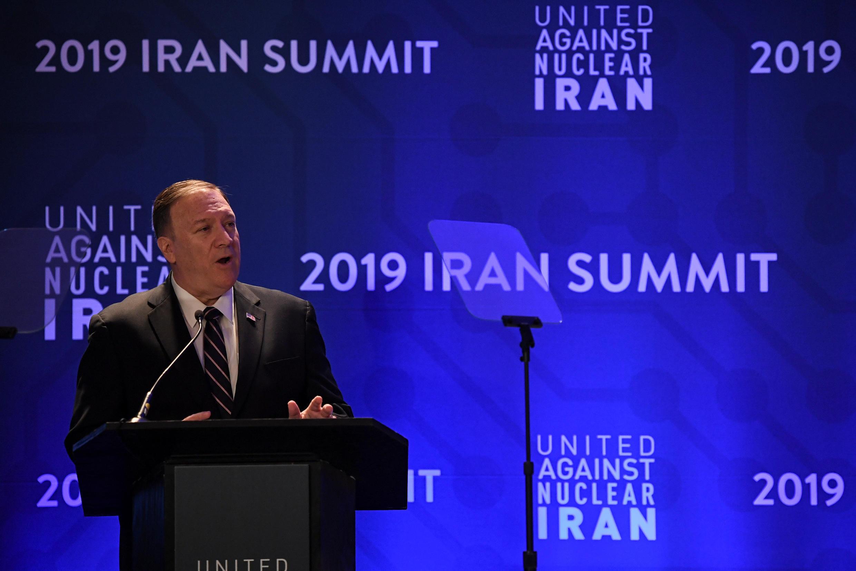 """مایک پمپئو حین سخنرانی در کنفرانس گروه فشار """"اتحاد علیه برنامۀ اتمی ایران"""""""
