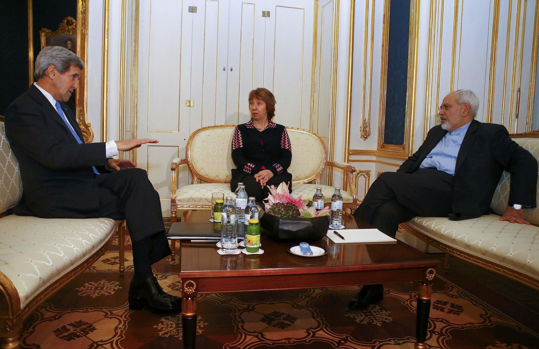 Госсекретарь США Джон Керри, представитель ЕС Кэтрин Эштон и министр иностранных дел Ирана Мохаммад Джавад Зариф, Вена, 22 ноября 2014 г.