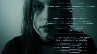 hacking-2275592_1920