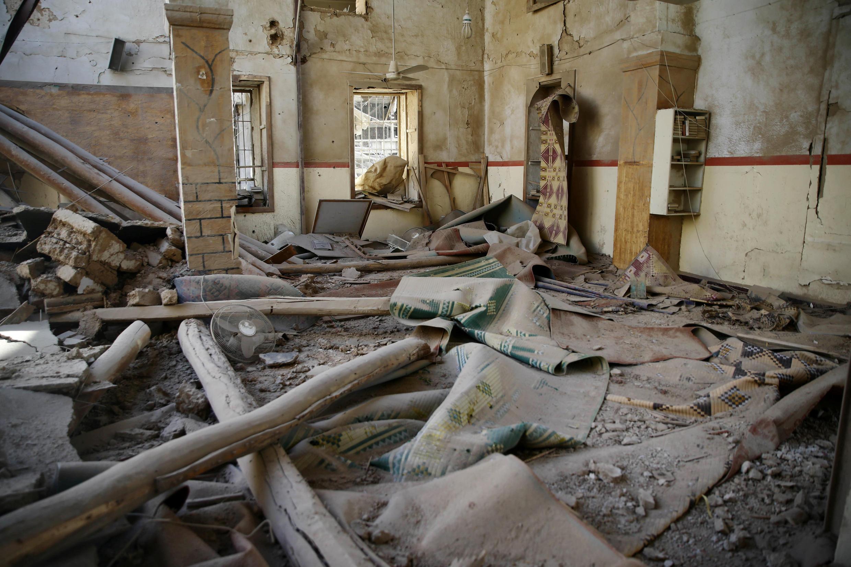 Разрушенная мечеть в городе Дума, в Восточной Гуте, Сирия, 1 марта 2018 года.