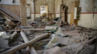 Une mosquée très abimée, à Douma, dans la Ghouta orientale, en Syrie, le 1er mars 2018.
