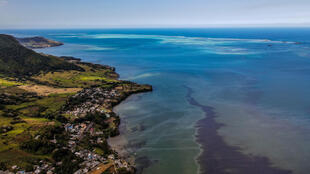 Wakashio oil spill Mauritius Vieux Grand Port Ile Maurice
