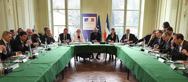 Thủ tướng Pháp Edouard Philippe gặp gỡ đại diện các nghiệp đoàn ngày 07/01/2020 tại Paris.