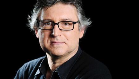 Le philosophe Michel Onfray revient avec un livre autobiographique « Le miroir aux alouettes », paru aux éditions Plon.