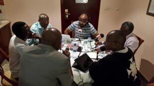 Enregistrement de l'émission «Le débat africain» avec Alain Foka sur l'enseignement supérieur à Ouagadougou, Burkina Faso.