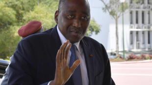Le Premier ministre ivoirien Amadou Gon Coulibaly a promis que 30 des 100 milliards de dettes devraient être payées très prochainement.