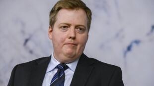 Премьер-министр Исландии Сигмюндюр Давид Гюннлейгссон