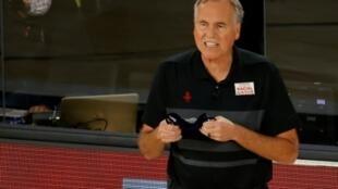 Mike D'Antoni, alors entraîneur des Rockets de Houston, lors du match 5 des play-offs NBA face au Thunder d'Oklahoma City, à Lake Buena Vista, le 29 août 2020