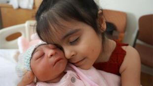 En el noreste de Brasil se observó en el 2015 un aumento significativo de nacimientos de niños con microcefalia. Se cree que este aumento está vinculado con la epidemia del virus del zika.