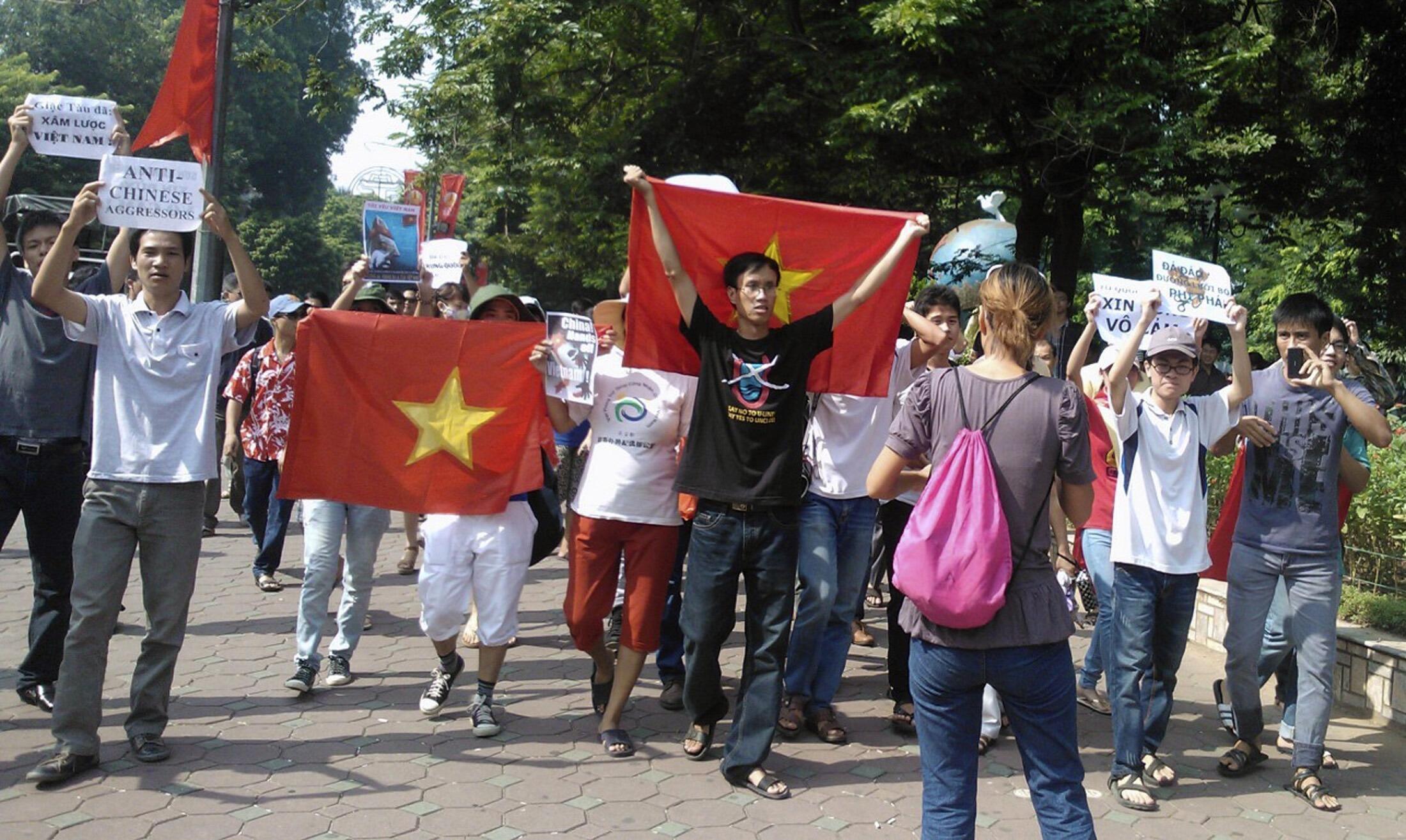 Cuộc biểu tình chống Trung Quốc  xâm phạm chủ quyền Việt Nam tại Hà Nội ngày 05/08/2012.