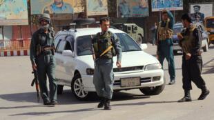 Des policiers afghans dans la ville de Kunduz en Afghanistan, le 3 octobre 2016.