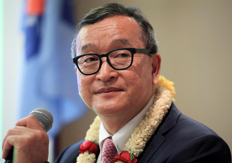 lãnh đạo đối lập Cam Bốt Sam Rainsy phát biểu trước các đảng viên của CNRP tại một khách sạn ở Manila, Philippines ngày 26/06/2016.