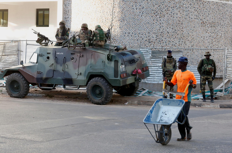 Les soldats de la force de la Cédéao, déployés à Banjul, Gambie, le 23 janvier 2017.