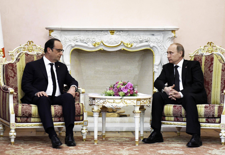 Les présidents français et russe, François Hollande et Vladimir Poutine, en avril 2015 au Kremlin.