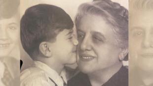 Minna et son petit fils David Stern, un photo du livre «Les carnets de Minna»