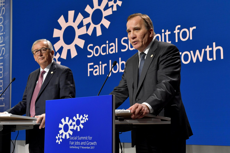 Chủ tịch Ủy Ban Châu Âu Jean-Claude Juncker và thủ tướng Thụy Điển Stefan Lofven tại thượng đỉnh Liên Hiệp Châu Âu về mô hình xã hội, Gothenburg, ngày 17/11/2017.