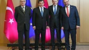 Rais wa Tume ya Ulaya Jean-Claude Juncker, Waziri Mkuu wa Uturuki Ahmet Davutoglu, Rais wa Baraza la Ulaya Donald Tusk na Spika wa Bunge la Ulaya Martin Schulz, Brussels, Machi 7, 2016.
