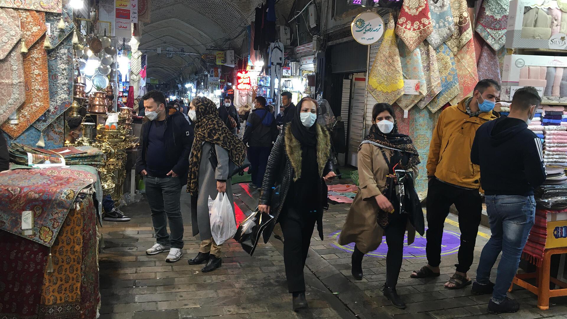 Pour l'instant seulement six millions des 84 millions d'Iraniens ont été vaccinés et il faudra encore près d'un an pour que toute la population soit vaccinée.