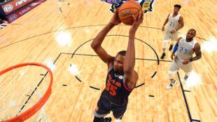 Kevin Durant de los Golden State Warriors de la Conferencia Oeste, este 19 de febrero de 2017 en Nueva Orleans.