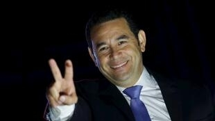 Jimmy Morales festeja su victoria, el 26 de octubre de 2015 en Ciudad de Guatemala.