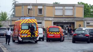 La victime est une femme de 34 ans, mère de deux petites filles, qui  enseignait en dernière année à l'école Edouard-Herriot, à Albi (photo). Une école située dans un quartier où règne la mixité sociale.