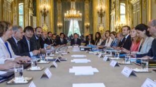 Governo de Emmanuel Macron preparou reformas laborais.