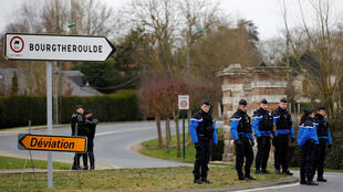Tight security in Grand Bourgtherould for Macron's visit