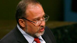 Le ministre israélien des Affaires étrangères Avigdor Lieberman appelle à la tenue d'élections dans les territoires palestiniens.