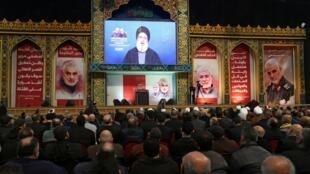Hassan Nasrallah a averti, dimanche 5 janvier, que l'armée américaine allait «payer le prix» pour avoir tué le général iranien Qassem Soleimani et Abou Mehdi al-Mouhandis, numéro deux du Hachd al-Chaab, dans une frappe vendredi 3 janvier 2020, à Bagdad.