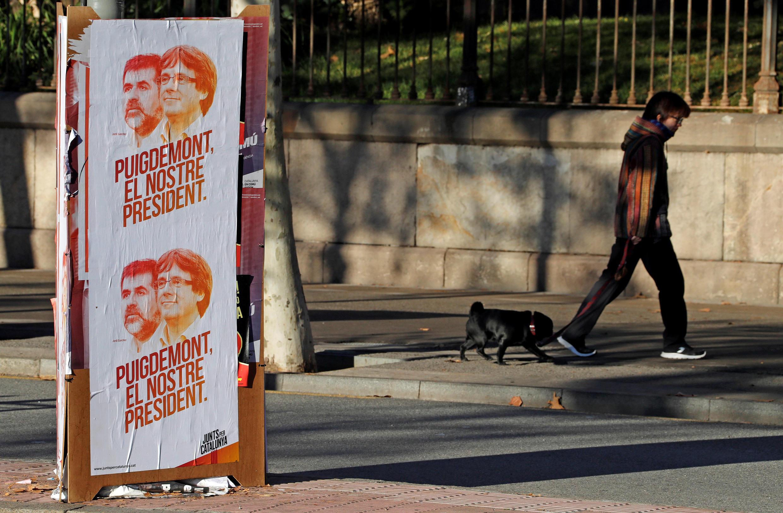 Предвыборные афиши в Барселоне