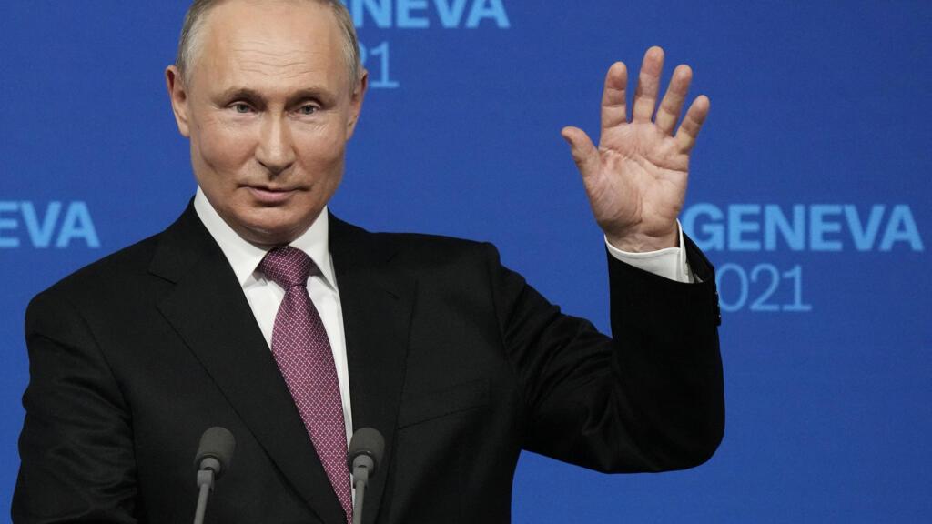 Путин: Навальный «сознательно выехал за границу на лечение», а ФБК учил готовить «коктейли Молотова»