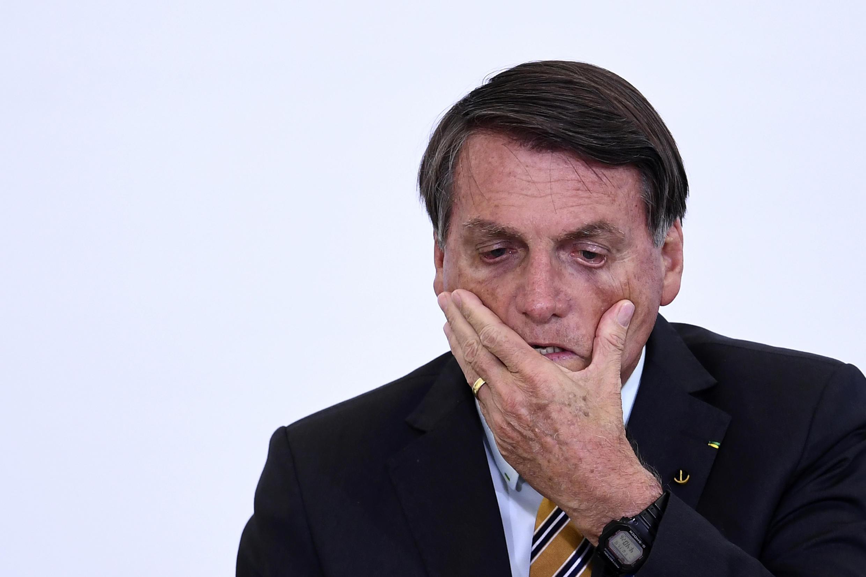 El presidente brasileño Jair Bolsonaro asiste al lanzamiento de un programa para la reactivación del turismo, el 10 de noviembre de 2020 en el Palacio Planalto de Brasilia