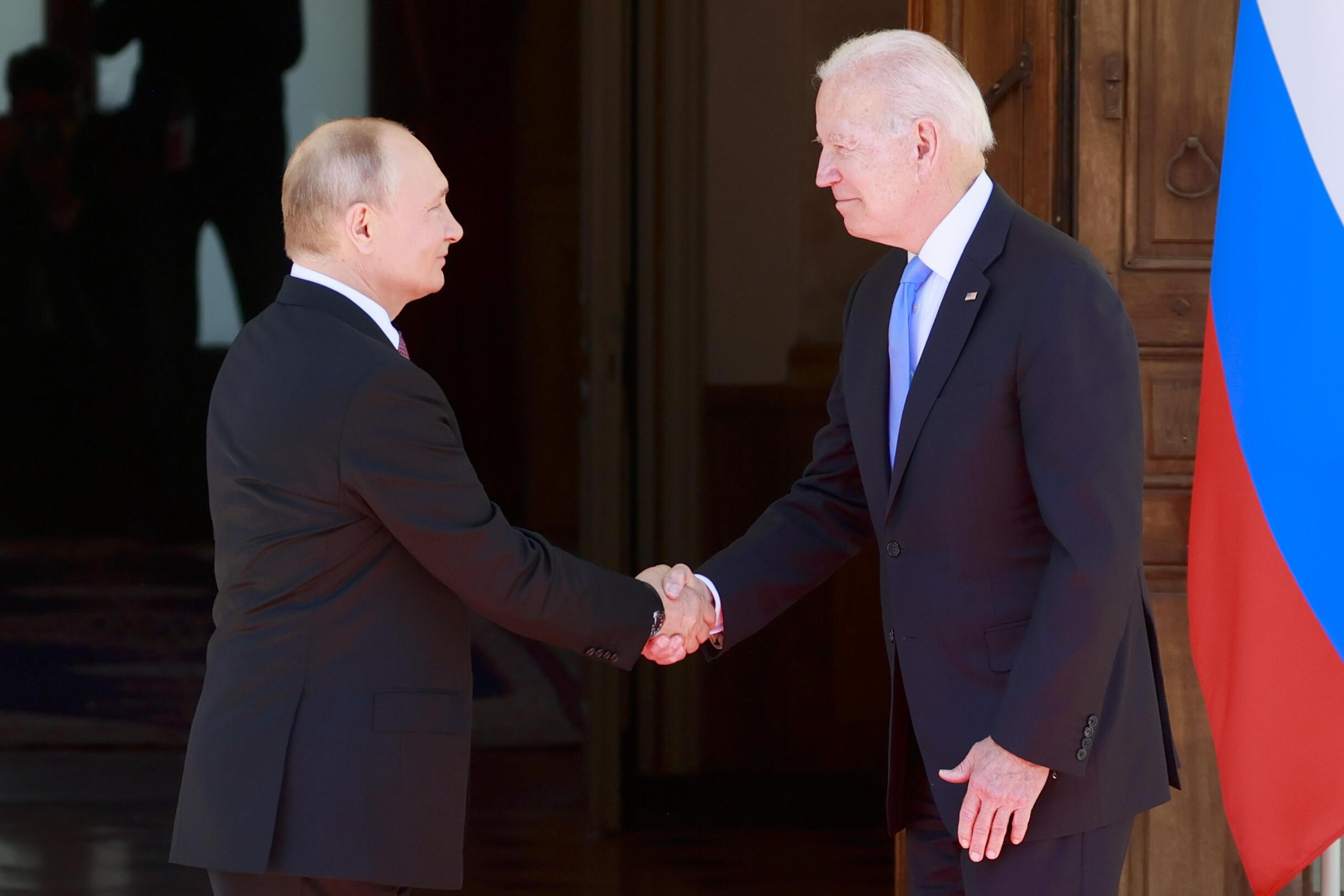Tổng thống Nga Vladmir Putin và tổng thống Mỹ Joe Biden ngày 16/06/2021, tại Genève, Thụy Sĩ.