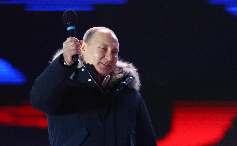 По мнению белорусских экспертов, после переизбрания Путина Москва снова вернется кэкономическим спорам вотношениях сМинском.