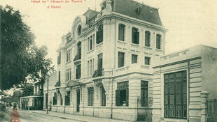 Trụ sở tòa soạn báo l'Avenir du Tonkin (Tương lai Bắc Kỳ) bên Hồ Gươm, Hà Nội.