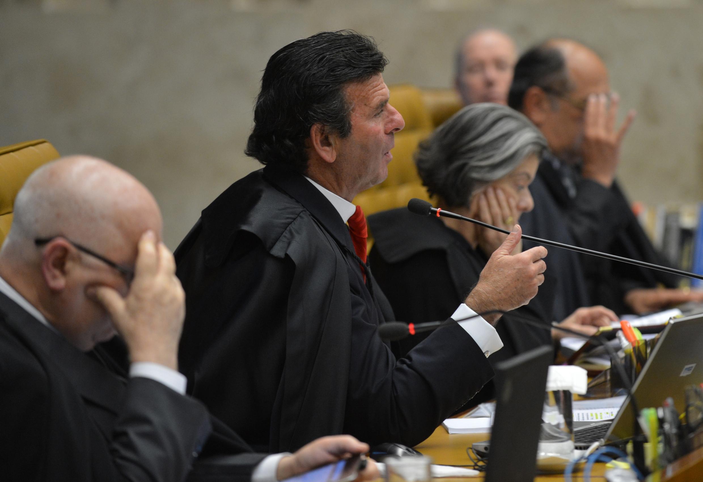 O Supremo Tribunal Federal (STF) durante sessão em 11 de setembro de 2019. Na foto, os ministros Teori Zavascki, Luiz Fux, Cármen Lúcia, Gilmar Mendes e Celso de Mello.