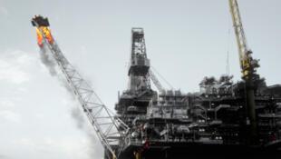 Plateforme pétrolière dans la mer du Nord.