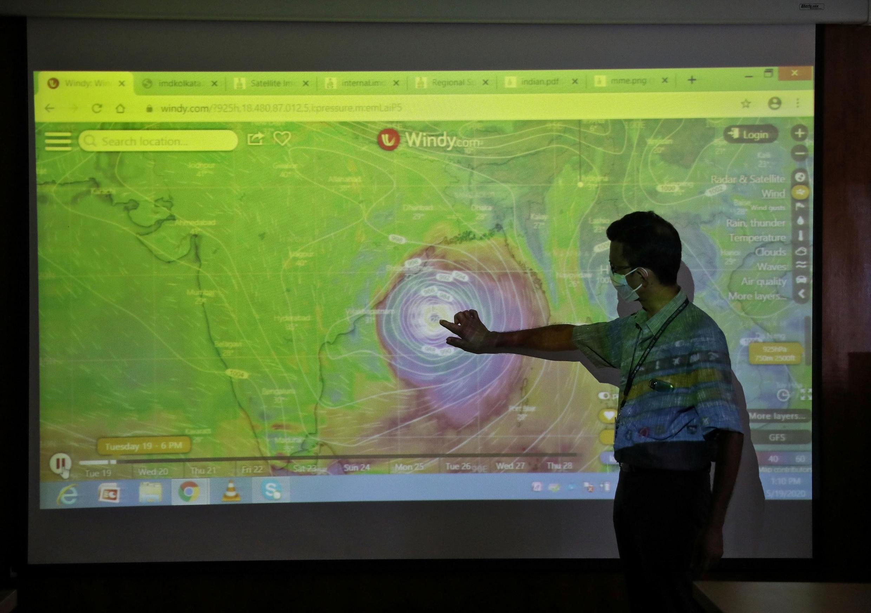 O ciclone Amphon pode ser o mais potente das últimas duas décadas