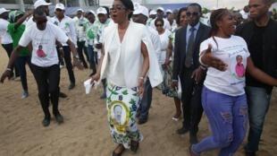 Rose Christiane Ossouka Raponda la Première ministre gabonaise ici en septembre 2018, a inauguré la première phase des travaux de la Transgabonaise.