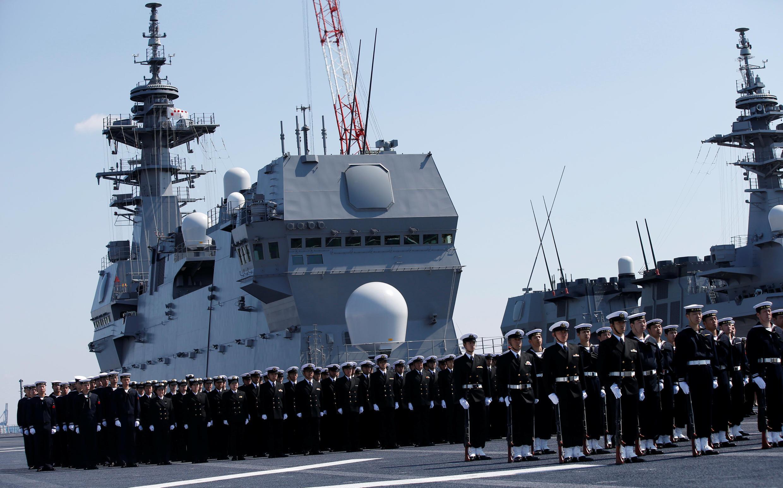 Lễ tiếp nhận tàu chở trực thăng Kaga tại đơn vị hải quân Nhật Bản ở Yokohama, ngày 22/03/2017