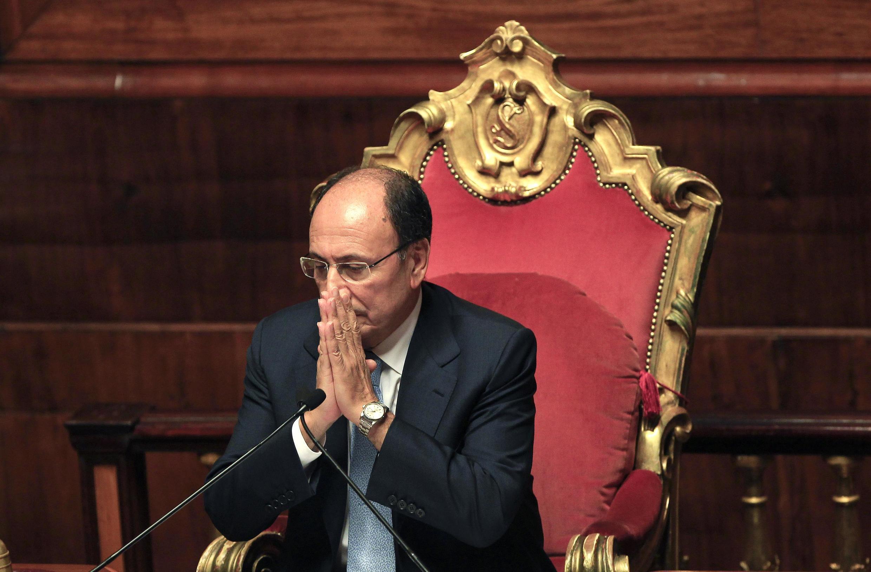 Спикер парламента Италии Ренато Скифани после голосования антикризисного плана