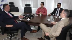 Da esquerda para a direta: magistrado de ligação francês Jean-Philippe Rivaud e procuradores da República Alexandre Guimarães, Everton Aguiar e Antonio Diniz.