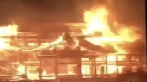 日本沖繩首里城發生火災,2019年10月。