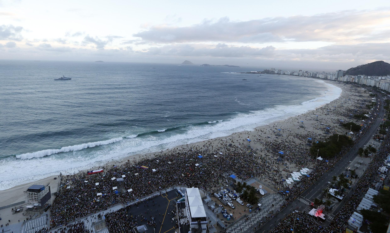 Bãi biển Copacabana, nơi các khách hành hương đổ về đón Giáo hoàng Phanxicô, 26/07/2013.