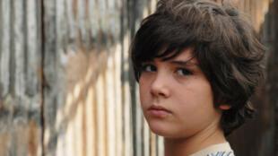 Juan, alias Ernesto, en la película 'Infancia clandestina'.