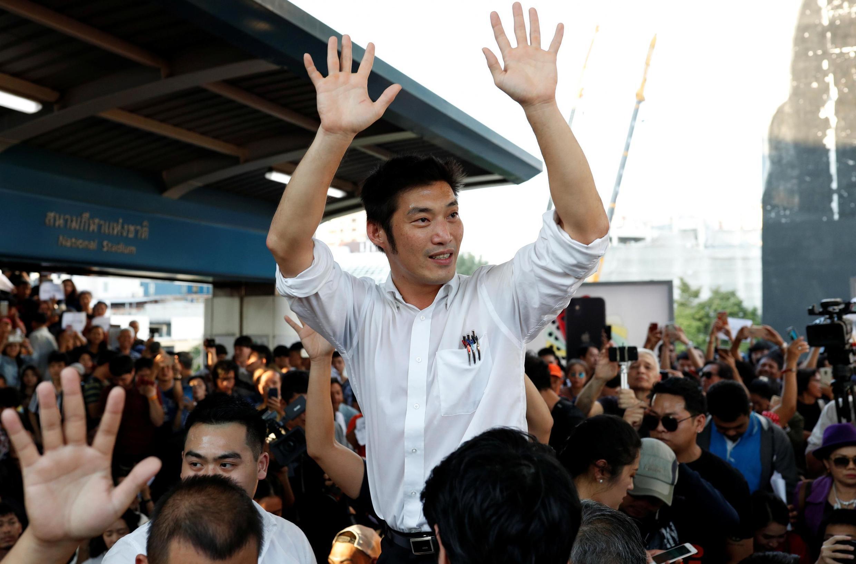 Juangroongruangkit, lãnh đạo đảng Tương Lai Mới trong cuộc tập hợp tại thủ đô Bangkok ngày 14/12/2019.
