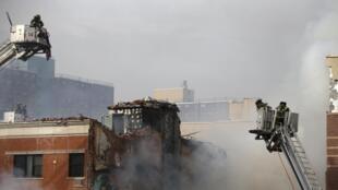 Um prédio explodiu e desabou nesta quarta-feira no bairro do East Harlem, norte de Manhattan.