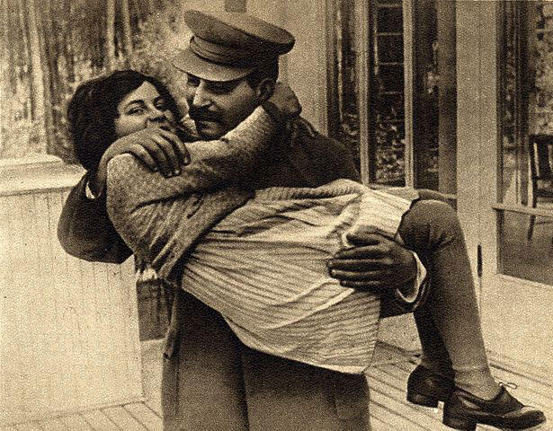 Svetlana Alilouieva avec son père Joseph Staline en 1935